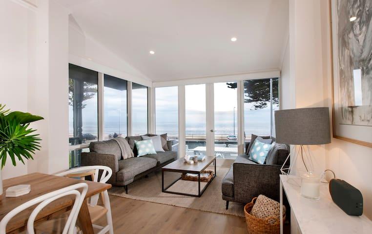 House of Henley - oceanfront hot spot!