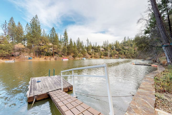 Waterfront home with shared pool and tennis, onsite golf, and more!