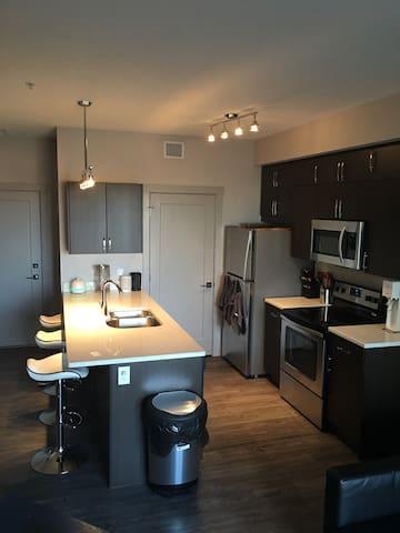 Brand New 1 Bedroom Apartment! - Эдмонтон - Квартира