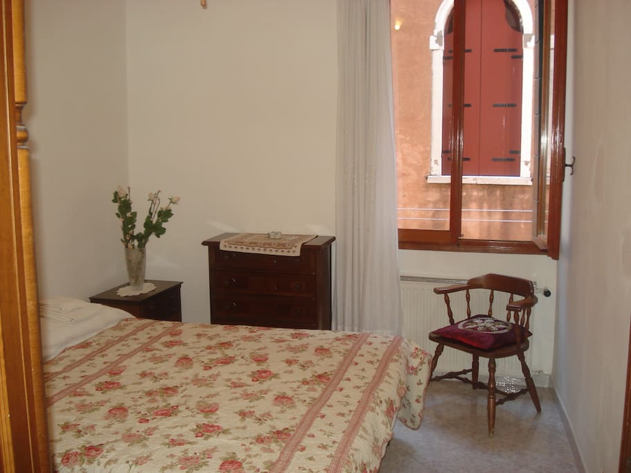 Double room MATTEO at RealVenetian House