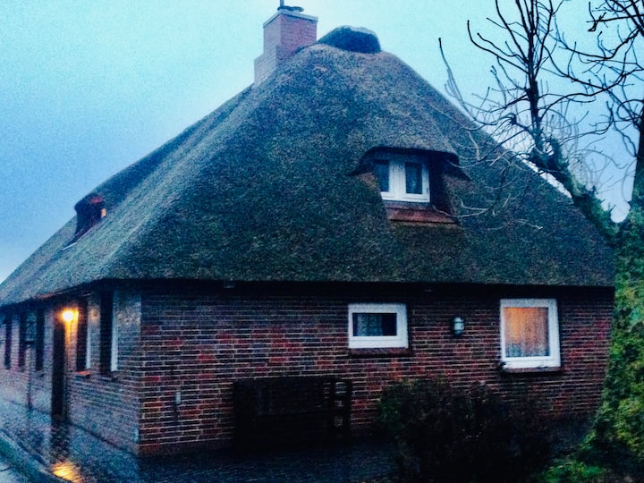 """Cosy cottage """"Bei Ilse"""" 100m from the water-front!"""