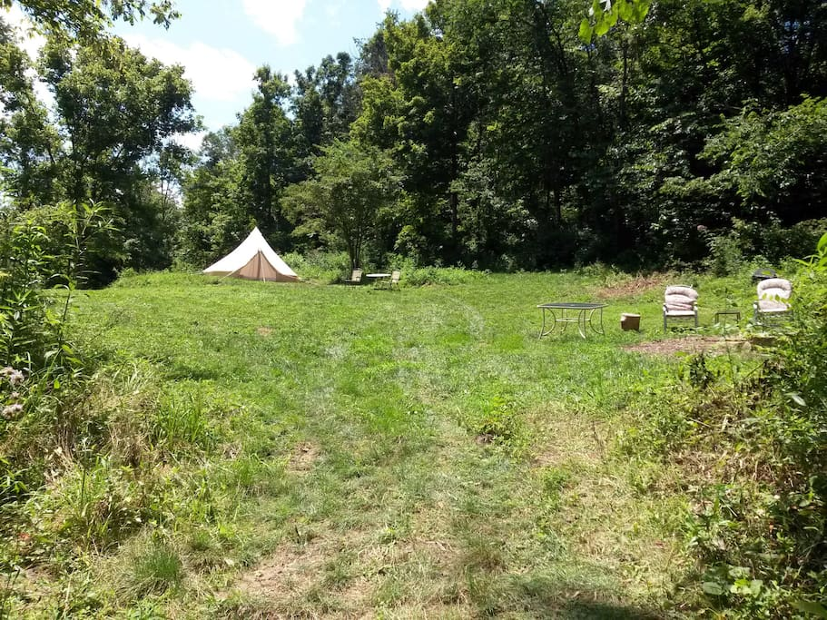 Large private campsite with no nearby neighbors where you can get away from it all.