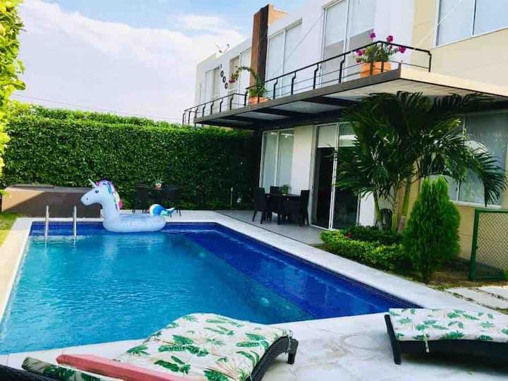 Hermosa casa con piscina privada para estrenar!!!