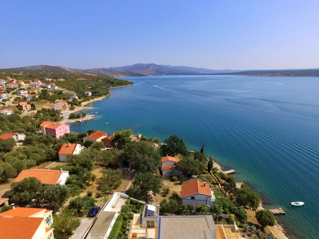 Holiday apartment Branimir in Maslenica