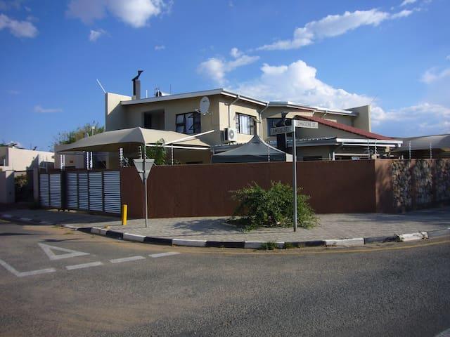 ANA'S VIEW - Windhoek - Casa