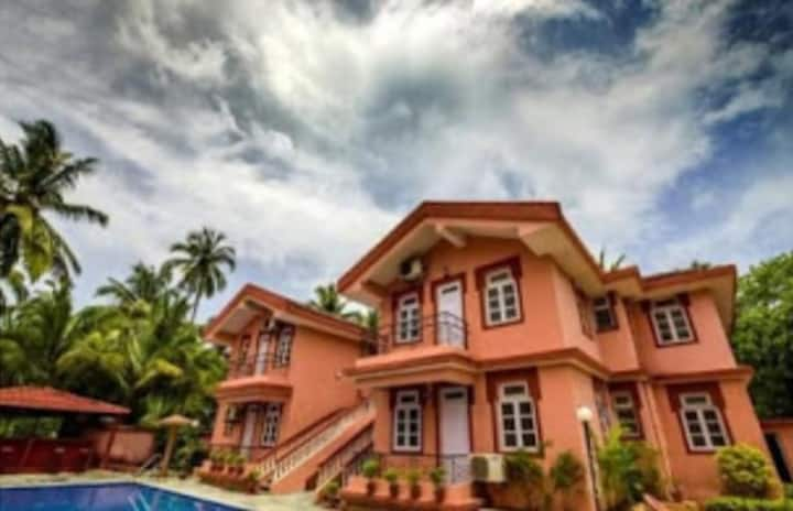 On daily basis furnished villa with pool