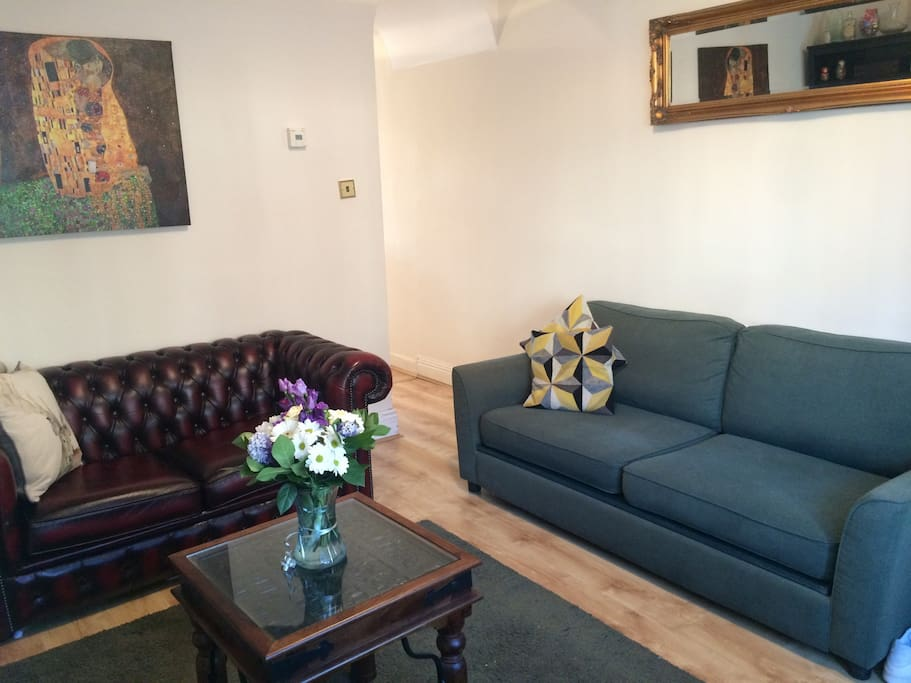 Living room with king single sofa bed (Chesterfield)