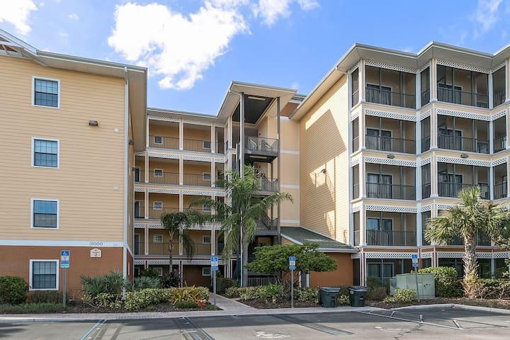 3 Bedroom Kissimmee Condo minutes from Disney