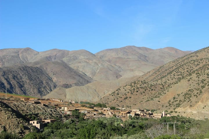 Feel Like Family in a Traditional Berber Home - Ijjoukak - House
