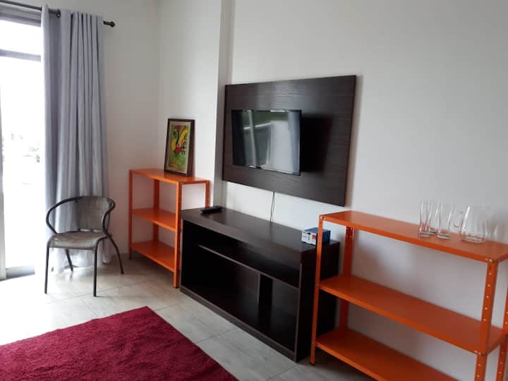 NOVO Apartamento 1 dorm com sacada bem localizado