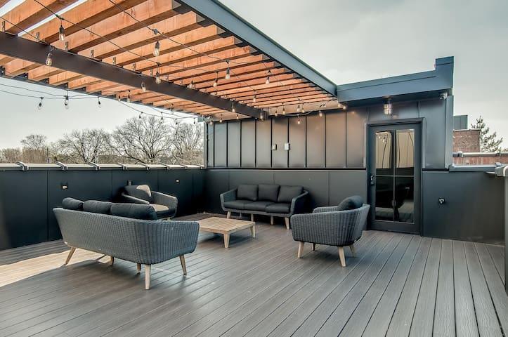 Luxury Home in Nashville with Skyline views!