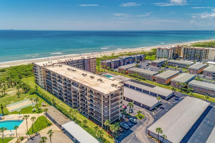 AMAZING VIEW!!!  Direct Ocean Front Condo