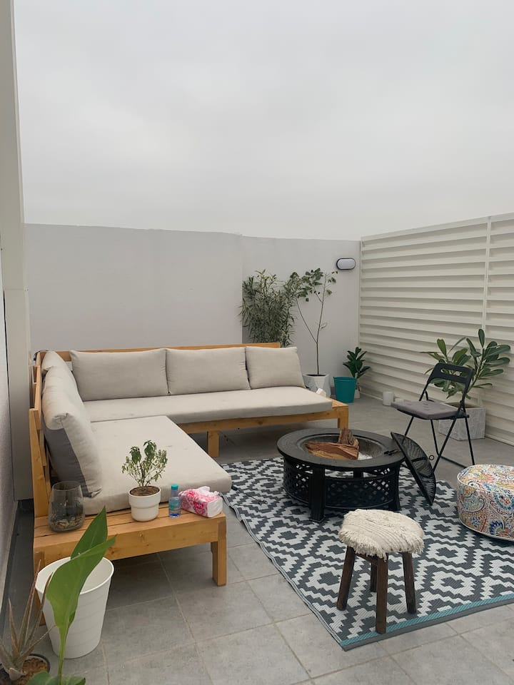 Modern loft with patio ( self check in )