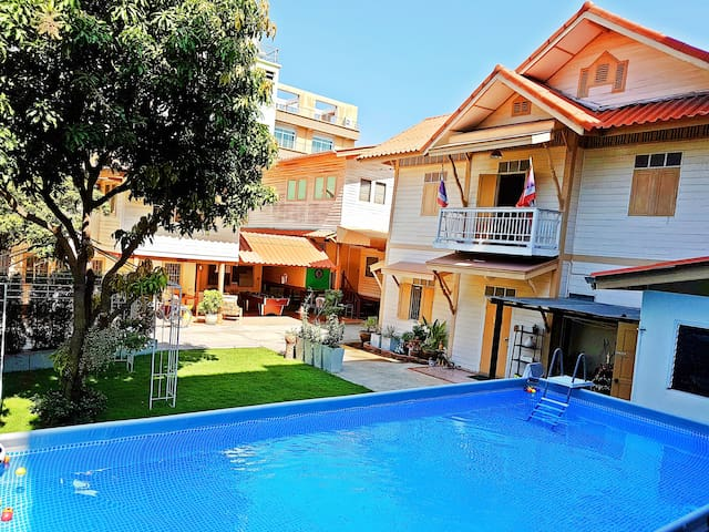 ☀️Private Villa 🏊Pool🌴Garden🍹Central Bangkok🍴