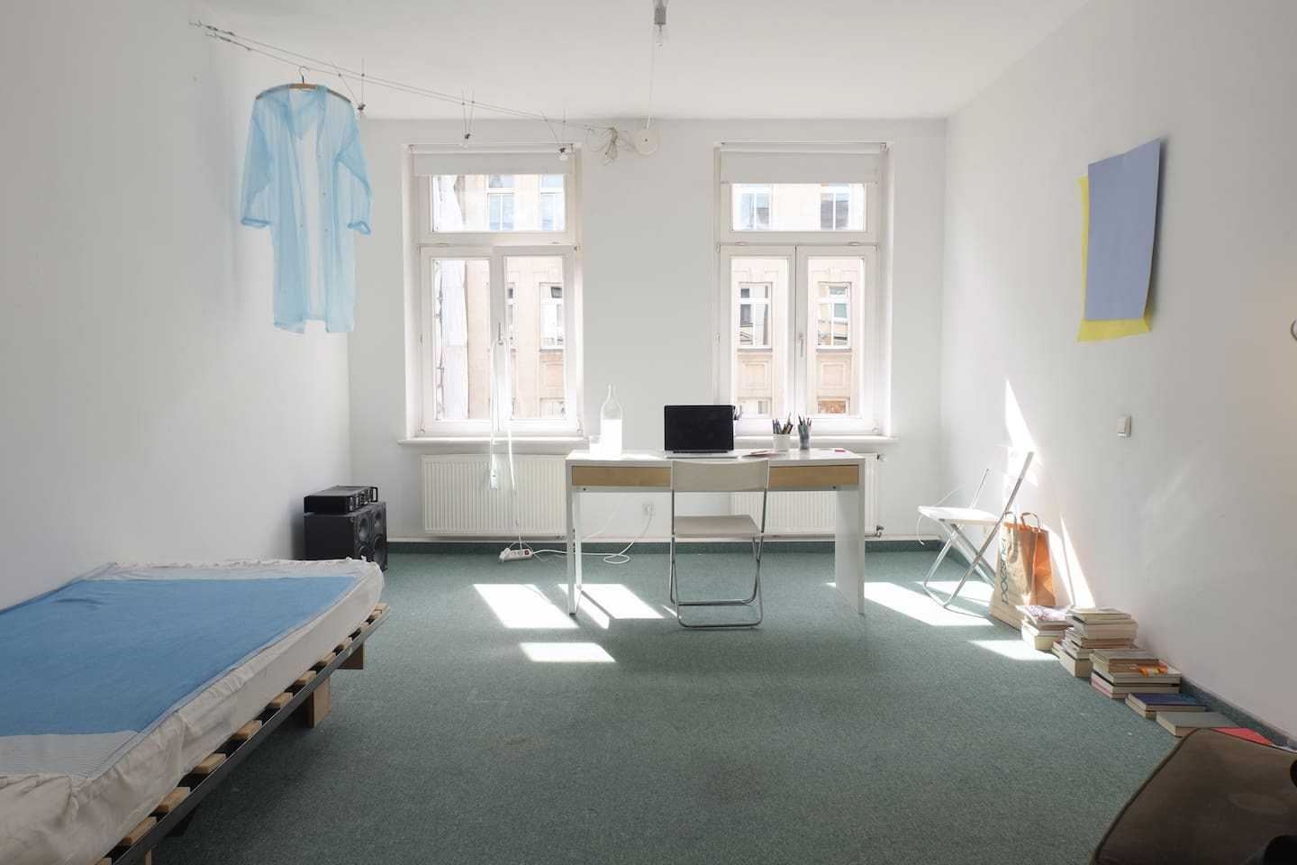 This is your room, the bed on the left is now a 200x160 cm bed, on the photo it is a 200x90 cm (bed still available if needed)