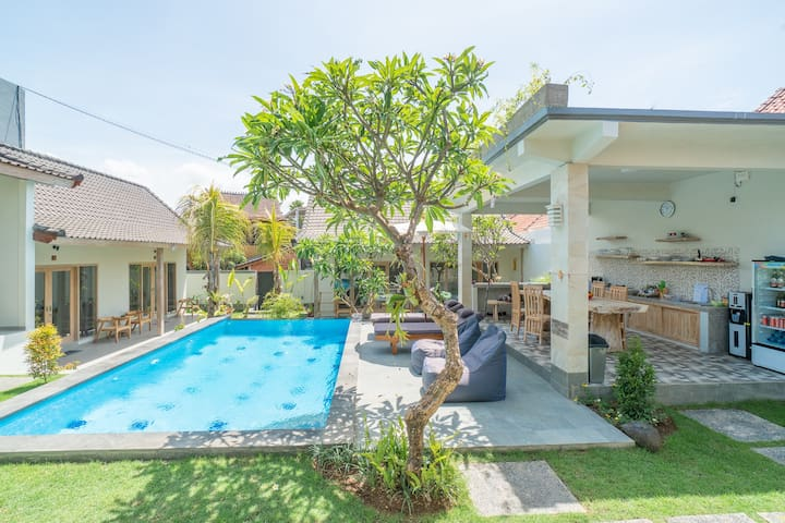 Modern Cozy Room w/ Ecstatic Vibes in Canggu