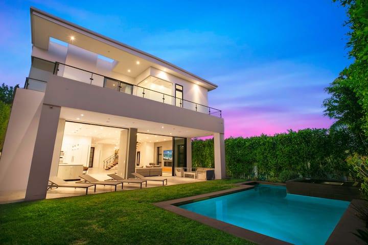 Beverly Grove Modern Retreat