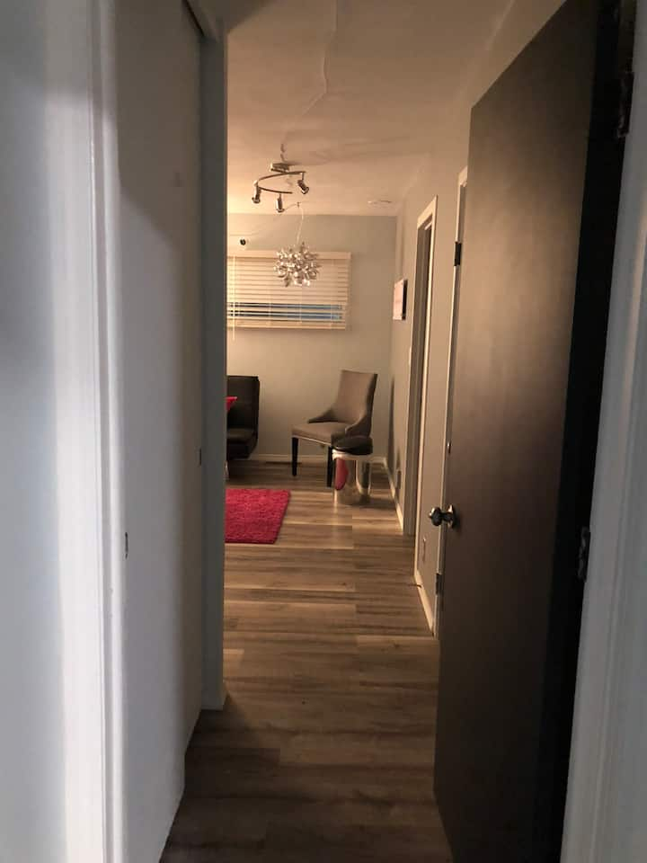 Great room close to Glendale Mall & Buttler Univ