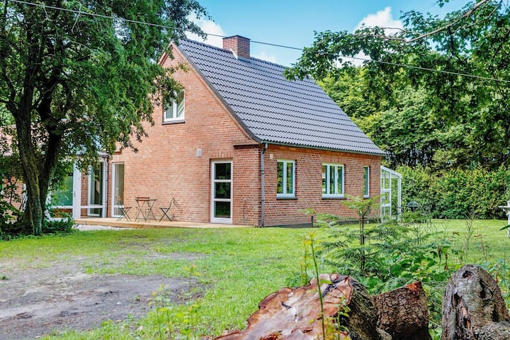 Peaceful Holiday Home in Rømø Jutland With Terrace