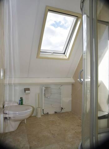 Badkamer op 1e etage