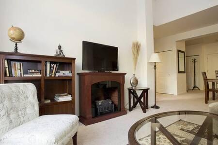 Top floor upscale, modern 2BD/2BA - Portland - Lägenhet