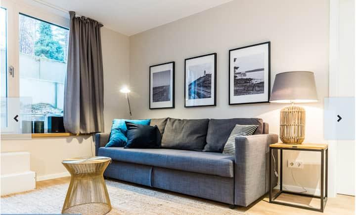 Liebevoll ausgestattete 1 Z-Wohnung, nahe S-Bahn