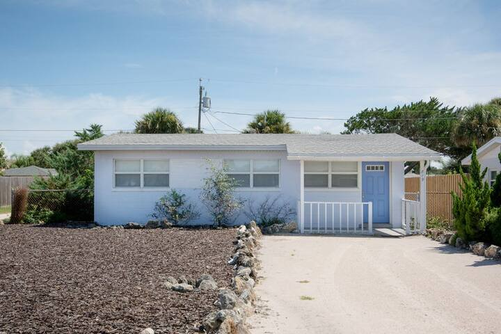 819 25TH - 3/2 Beachside Charmer - Walk to beach, shopping & dining