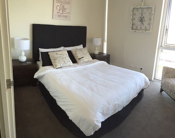 Hotel quality bedding and linen