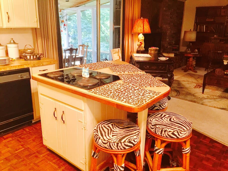 Eat-in kitchen & large great room with gas fireplace.