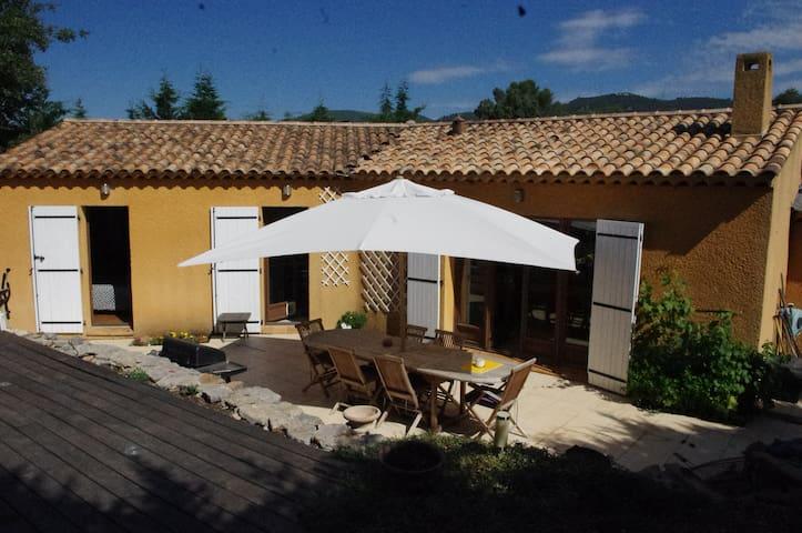 Maison avec piscine en provence verte - Méounes-lès-Montrieux - House
