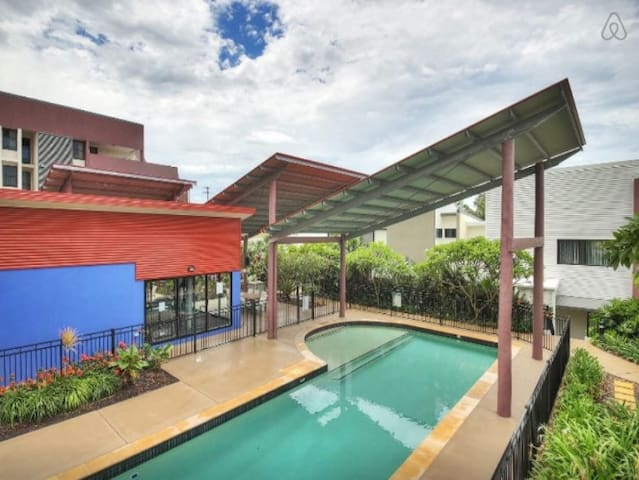 Modern Room in Great Neighbourhood - Moorooka - Apartemen
