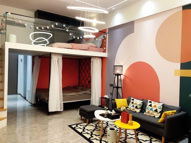 巢屿: 市中心/五星标准/可住4人/Loft复式马卡龙主题双床房