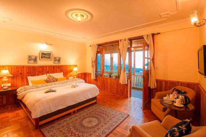 Luxury Room With Balcony in Shuru, Manali