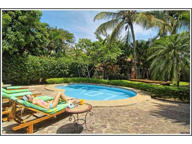 Villa Doña Iñes - Privacy! Gorgeous  home,  guest house & pool, free wifi!