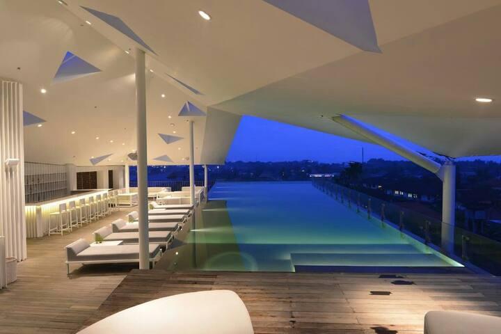 1BR Club Room Include Brkfast with Bathtub+Gym+SPA