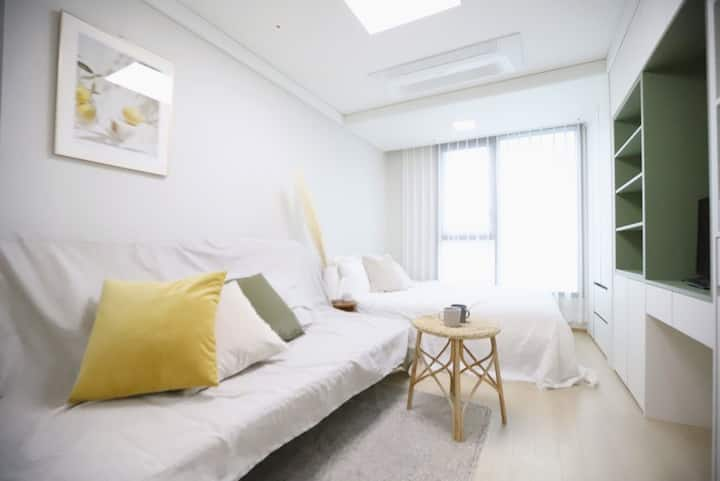Shiny and Cozy room_ 충무로역3분거리.명동.을지로.동대문.남산한옥마을