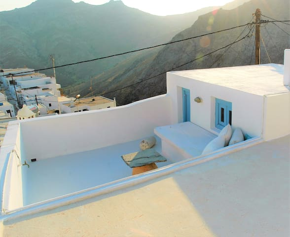 Authentic cycladic house with unique roof terrace