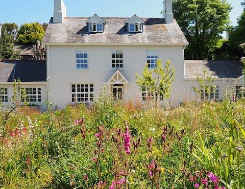 Luxury self-catering getaway in Salcombe