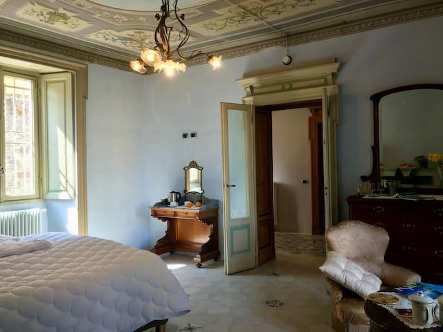 Blue Fresco-Apartment-Apartment-Ensuite with Shower-Garden View
