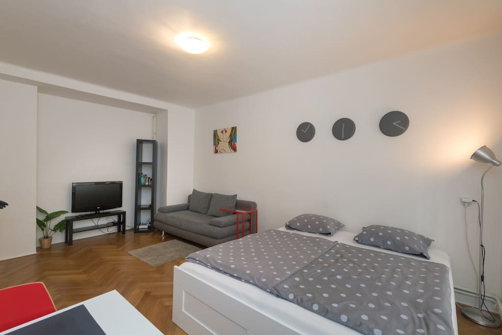 Central apartment with double bed and folding sofa
