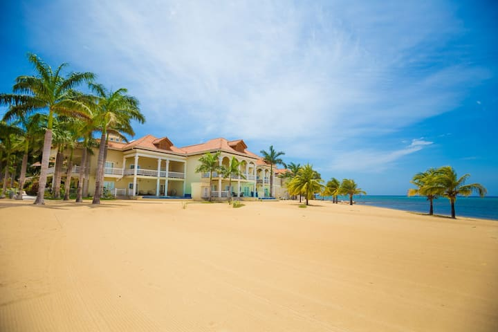 1BR Beachfront Bliss in Gated Community