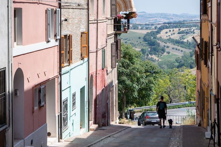Via Pozzo del Mercato-traversa di Corso Cairoli