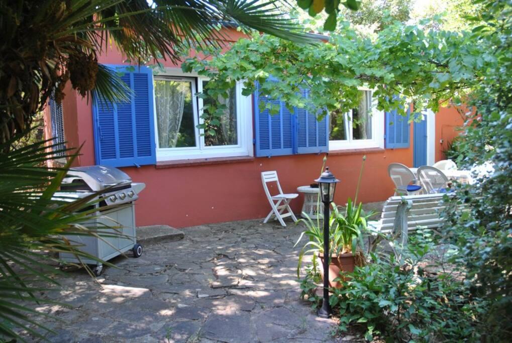 Maison quartier calme et proche du centre ville houses - Restaurants port santa lucia saint raphael ...