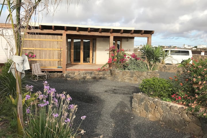 Charming eco house with garden, clean and safe!