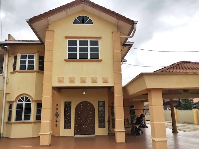 A comfortable stay for big family - Kuantan - Dom