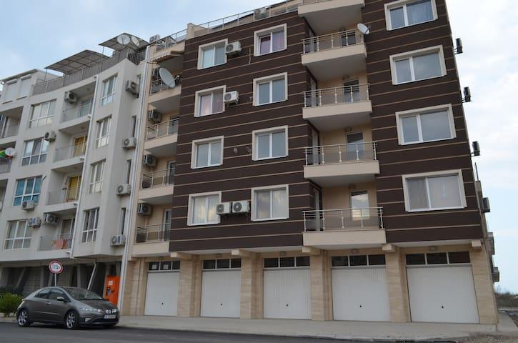 Apartment Dika, Pomorie - Pomorie - Leilighet