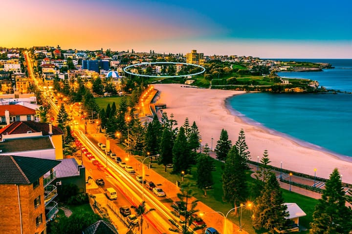 Queen room by the Sea - Coogee
