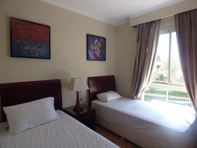 Third room غرفة ٣
