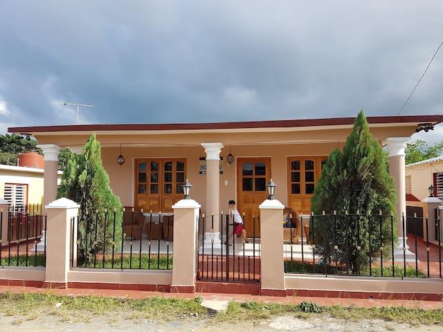 Casa Emilito Y Danay