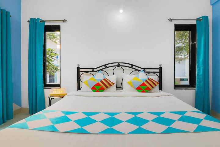OYO Discounted! Well-Furnished 2BHK Stay in Nerul, Goa